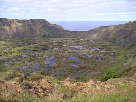 Vista de la caldera volcánica de Rano Kau
