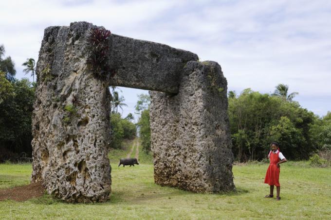 haamonga a maui trilithon monument tonga - DOLMENES, CROMLECH, TÚMULOS Y MENHIRES