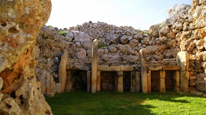 los templos ggantija isla de gozo malta 1 - LOS TEMPLOS MEGALÍTICOS EN LAS ISLAS DEL MEDITERRÁNEO