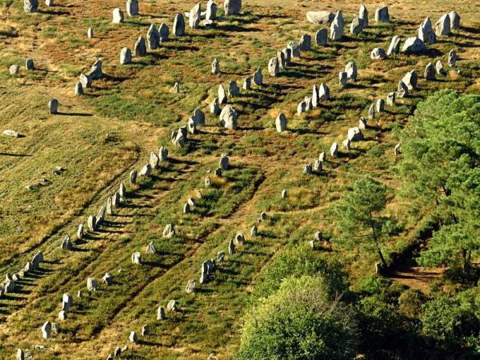 menhirs a carnac reference - LOS ALINEAMIENTOS DE CARNAC