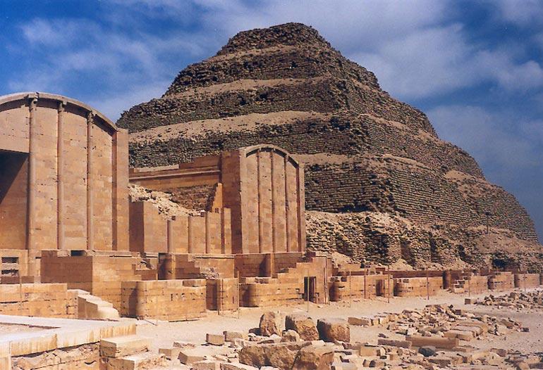 Resultado de imagen de Pirámide de Zoser: Una máquina cuántica en el Antiguo Egipto