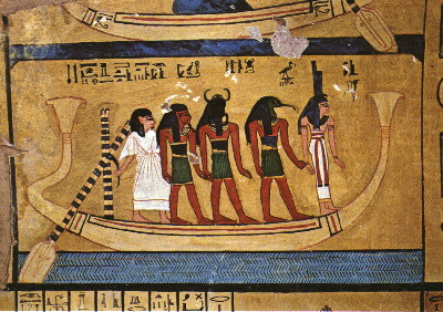 Barca con dioses encabezados por Isis