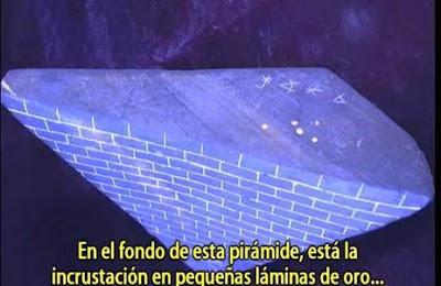 Cinturón de Orión en la base de la pirámide