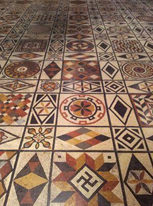 mozaic-cu-svastica-lyon
