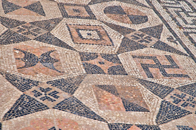 the-swastika-volubilis-morocco-5