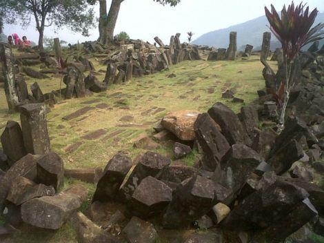 800px-gunung_padang_site