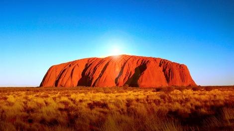 ayers-rock-la-roca-sagrada-de-australia-salida-del-sol