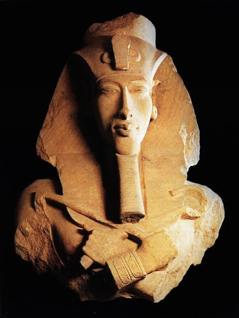 52 - El faraon Amenofis IV o Akhenaton de la XVIII dinastia