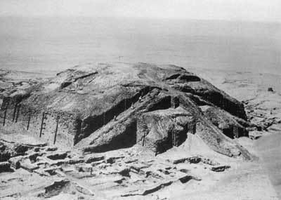 ur02_ziggurat02
