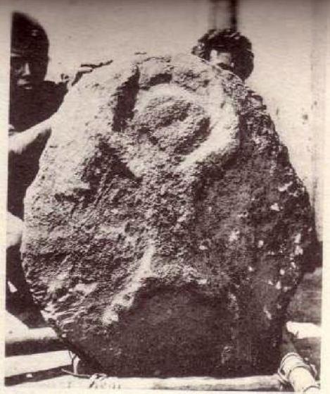 llanuradelasjarrashombreencuclillascolani1935