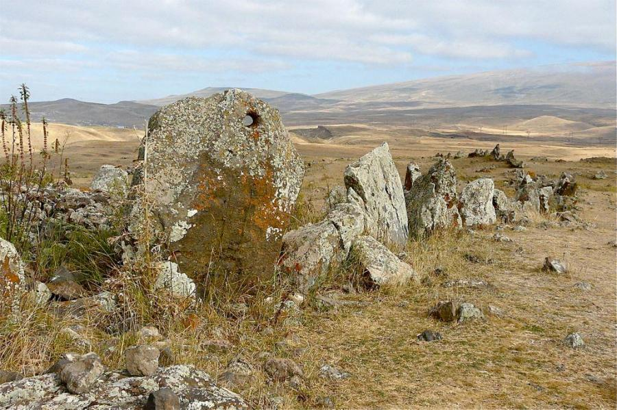 1280px-zorats_karer_2008_standing_stones_with_hole