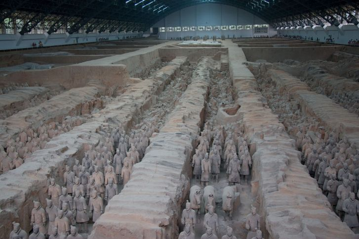 1280px-terracotta_army_pit_1_1