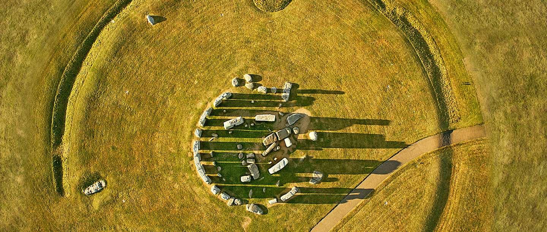 stonehenge_circle_travel_promo