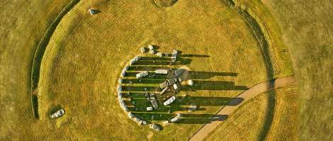 stonehenge_circle_travel_promo