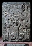 Quetzalcóatl con hombre emergente